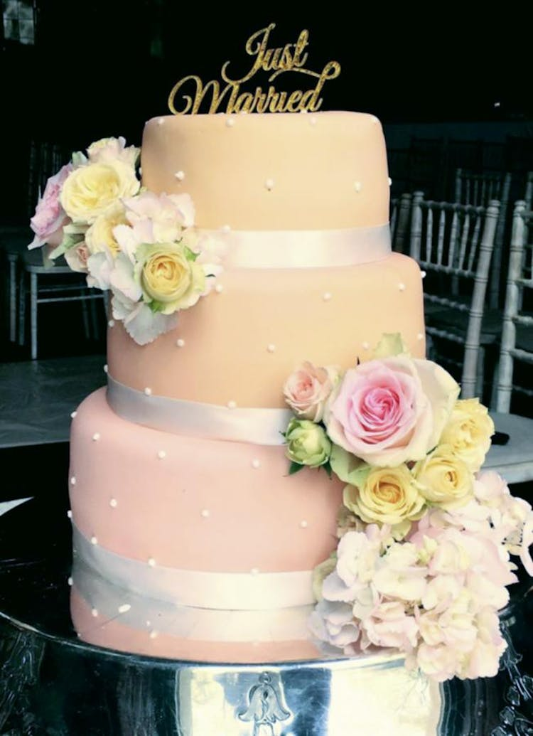 Coral Wedding Cake with Fresh Florals