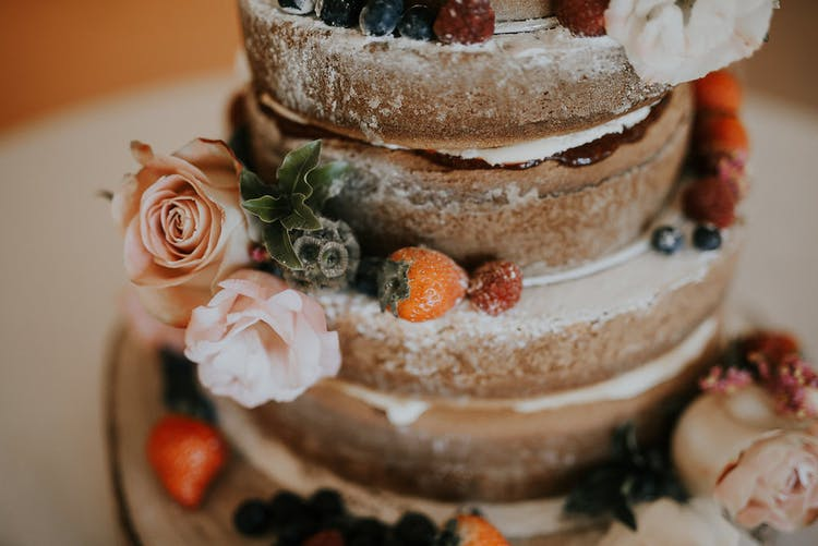 Naked Cake - perfect for outdoor rustic weddings