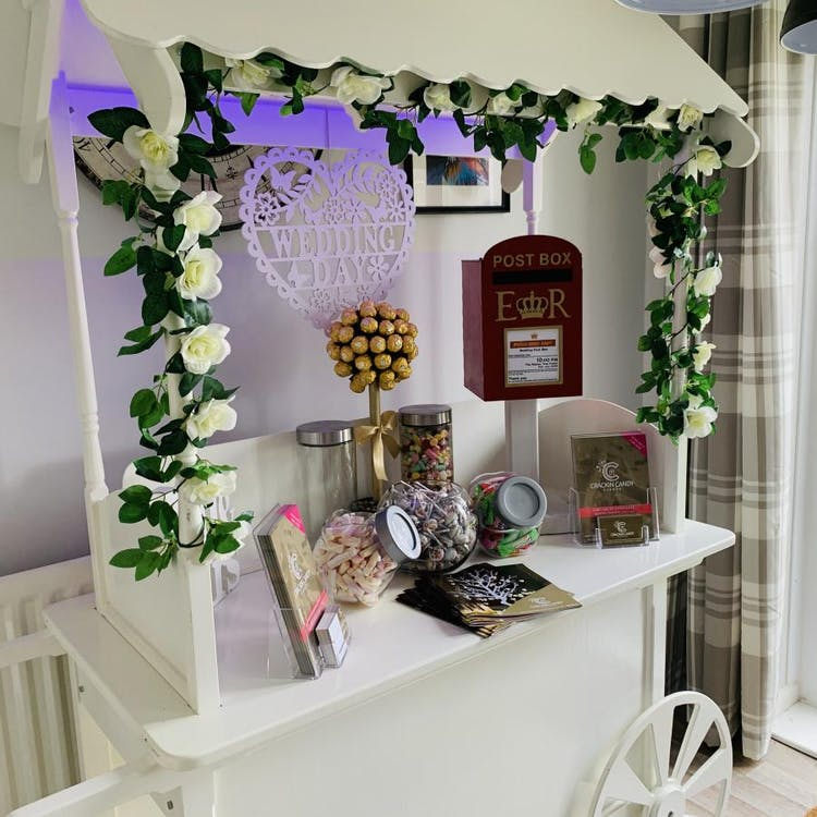 Crackin Candy Events - Candy Cart Hire